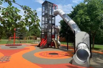 """Bērnu rotaļu laukuma """"Ķirbītis"""" izbūve Estrādes parkā, Kuldīgā, Kuldīgas novadā"""